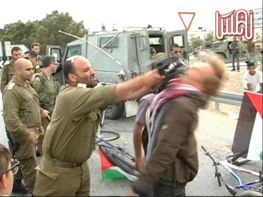 الاحتلال الاسرائيلي يقمع بوحشية مسيرة تضامنية مع الأغوار 70105nablustv1611727