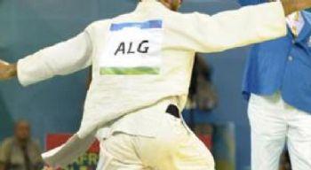 مصارع جزائري يضحي بالبطولة العالمية 75260ntv231319102427520.jpg